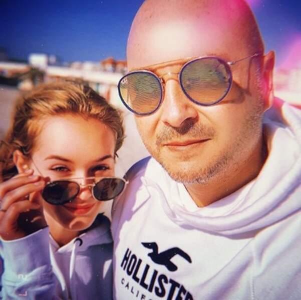Selfie père-fils pour Cauet et Ivana au Touquet.