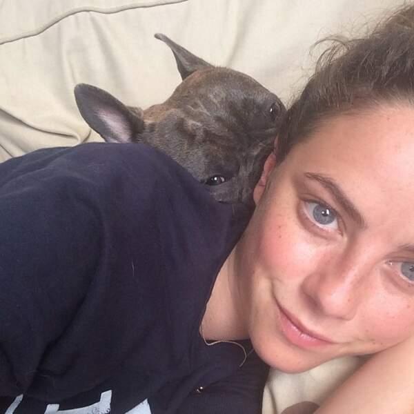 Kaya Scodelario a 2 personnes très importantes dans sa vie : son chien