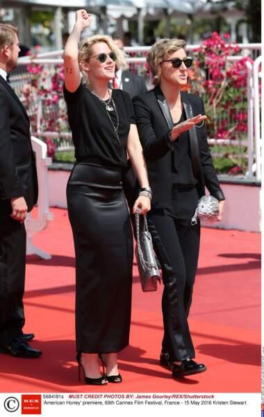 Kristen Stewart et Alicia Cargile, toutes les deux très chics en noir !