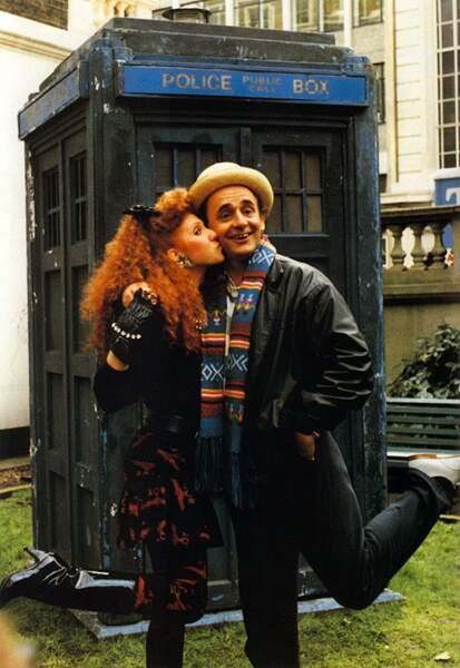 Sylvester McCoy (1986-1989), le 7ème Doctor Who signe la fin de la série originale. Ici avec Mel Bush (Bonnie Lang)