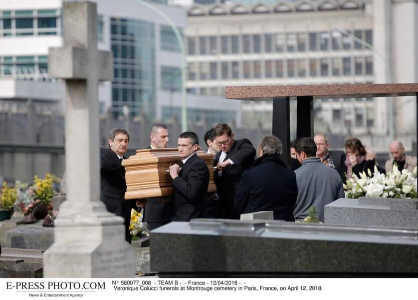 Ce jeudi 12 avril 2018 se tenaient les obsèques de Véronique Colucci au cimetière de Montrouge