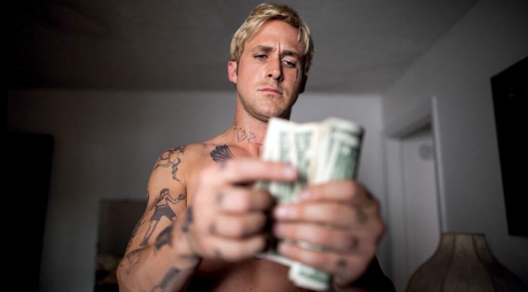 En bad boy tatoué, il utilise ses talents pour braquer des banques dans The Place Beyond the Pines (2013)