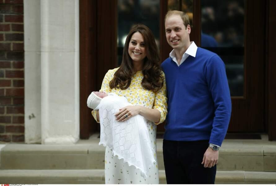 A peine deux ans d'écart avec son frère George, bébé Charlotte naît le 2 mai 2015
