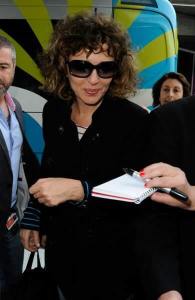 L'actrice-réalisatrice et membre du Jury Valeria Golino a déjà signé quelques autographes