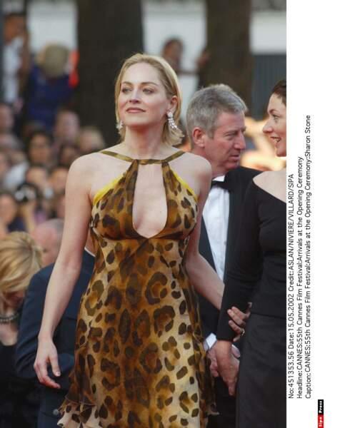 Sharon Stone, la star de Basic Instinct en cougar ? En léopard plutôt ! (2002)