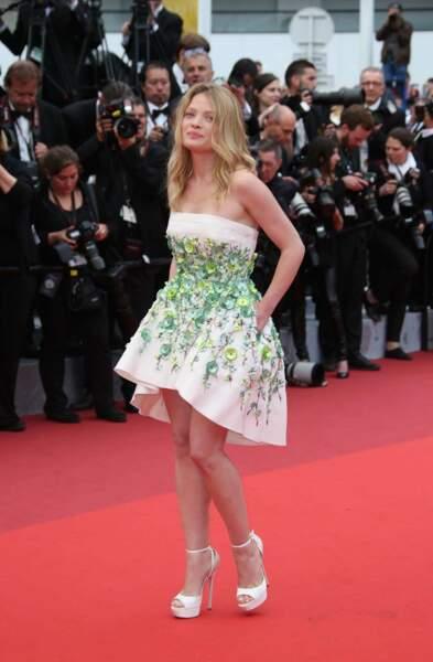 Mélanie Thierry, légère et court vêtue