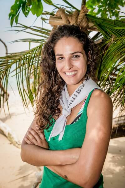 Cassandre a 22 ans. Elle est mannequin et est diplômée en tourisme