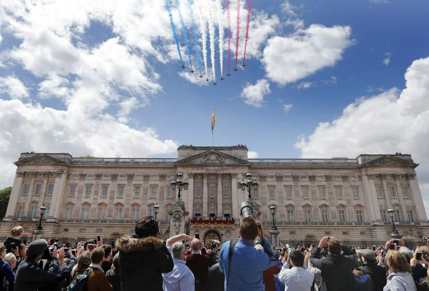 La foule était nombreuse à admirer le show aérien et la famille royale