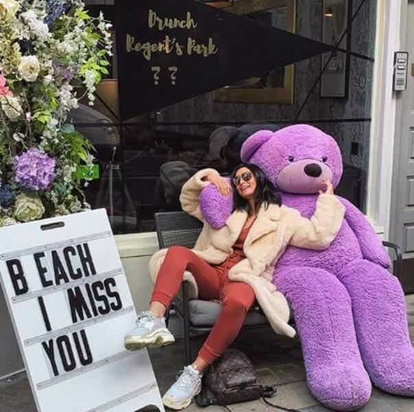 Emilie Nef Naf s'est trouvé un nouveau copain à Londres.