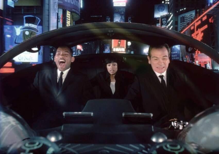 A partir de 1997, il revêt le costume noir au côté de Tommy Lee Jones dans la saga Men in Black
