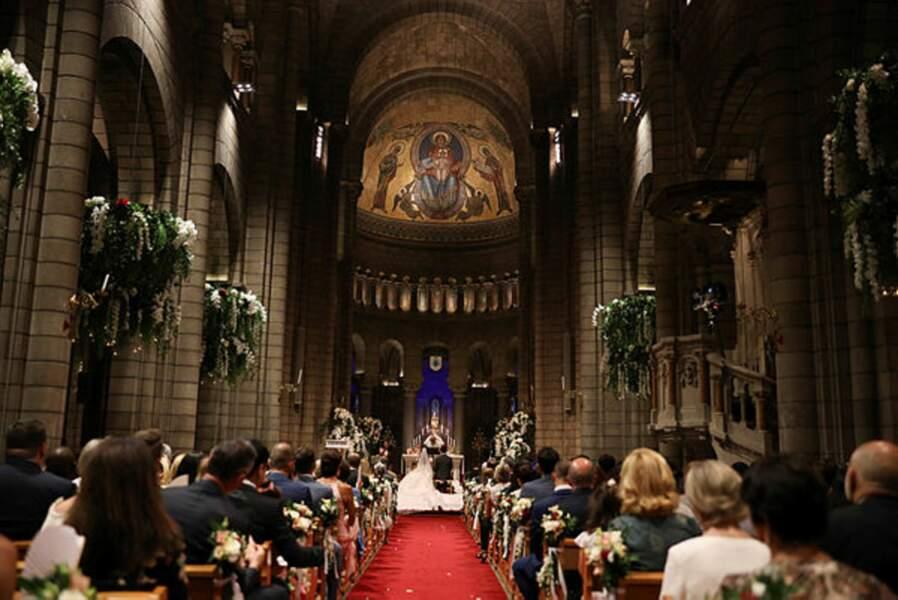 L'assistance est recueillie et en communion avec le jeune couple Ducruet