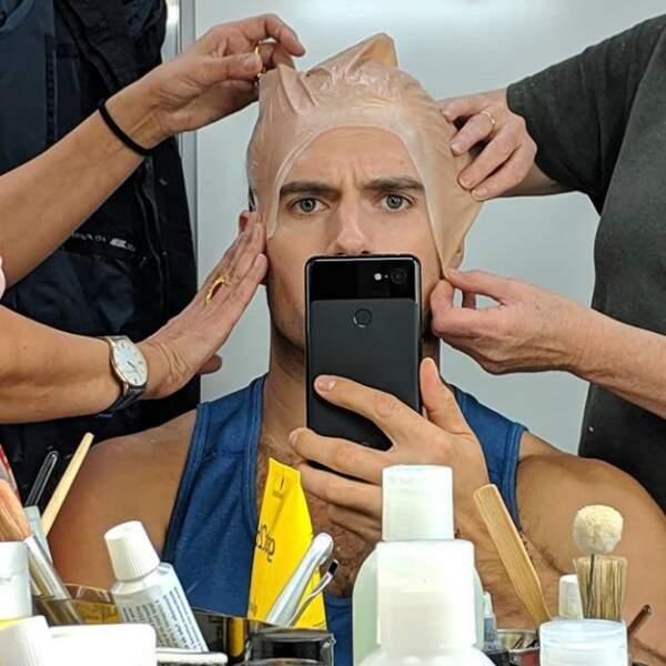 Une chose est sûre : Henry Cavill donne de sa personne sur le tournage de la série The Witcher !