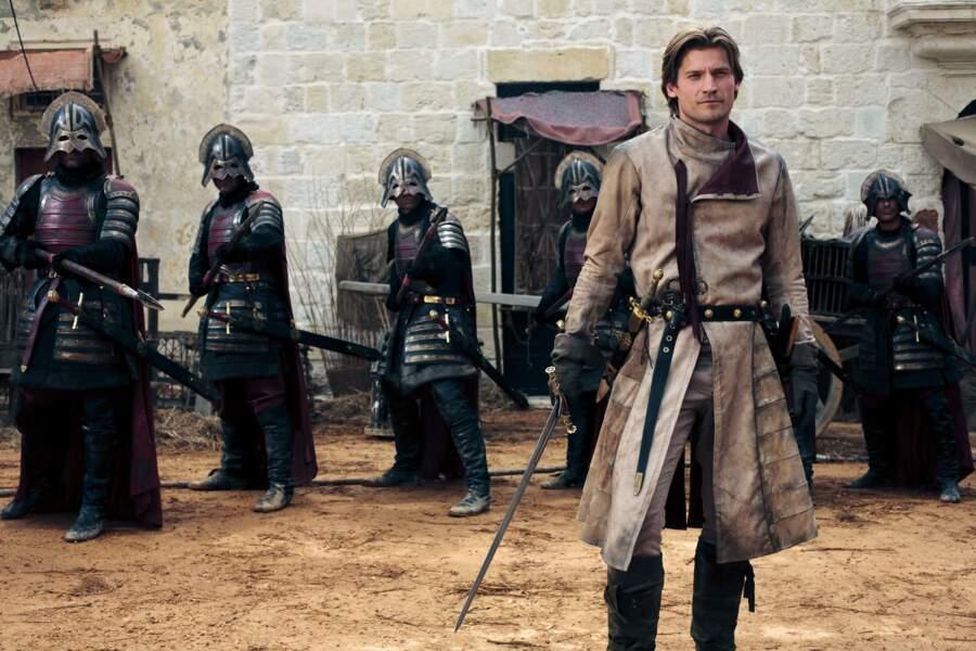 Son frère et amant dans la série, Nikolaj Coster-Waldau, (Jaime Lannister) lui, aime beaucoup les armures.