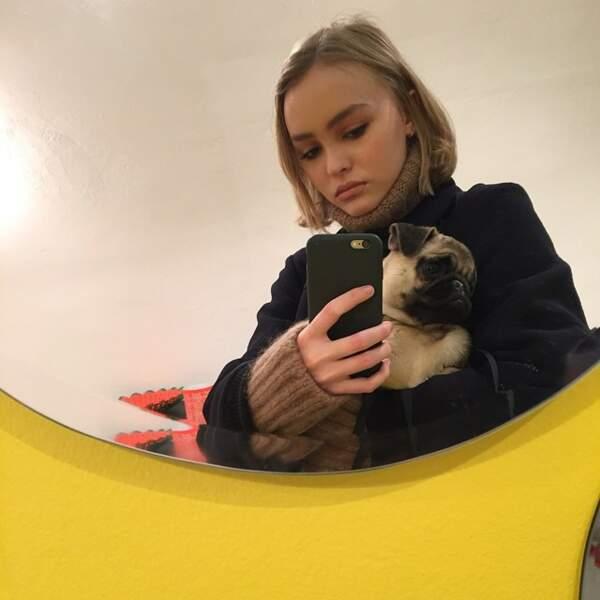 Selfie avec son adorable bouledogue anglais.