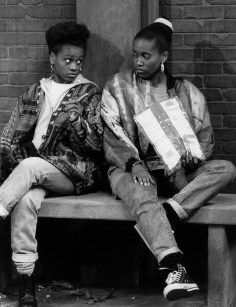 Karen Malina White (à gauche) incarnait Charmaine Brown dans les dernières saisons de Cosby Show