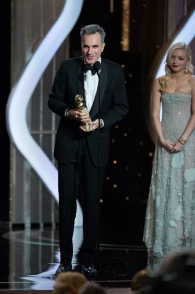 Daniel Day Lewis remporte la statuette du meilleur acteur dans un drame, Lincoln.