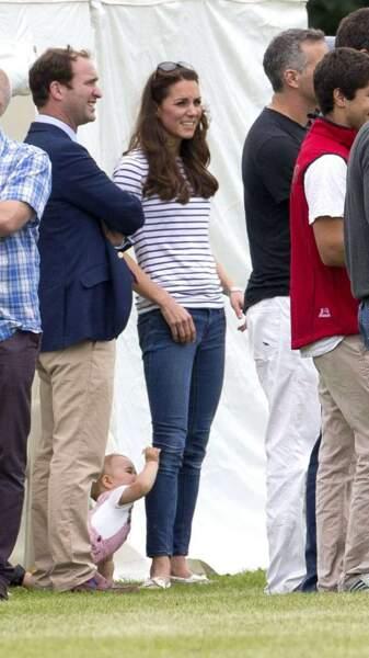 Visiblement, George a trouvé ce qu'il cherchait : maman Kate !!