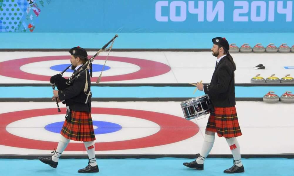 Et oui, rappelons que ce grand sport qu'est le curling a été inventé en Ecosse