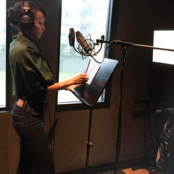 Sonia Rolland était en studio pour enregistrer une voix off.
