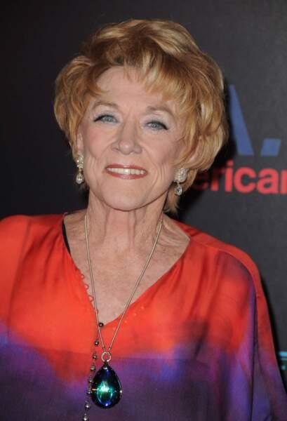 Jeanne Cooper était très coquette, comme ici, en juin 2013, à la 37e cérémonie des Daytime Emmy Awards.