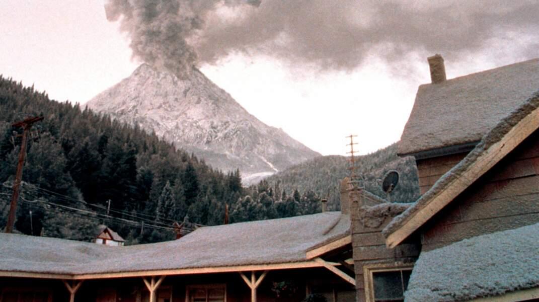 Le volcan menaçant du Pic de Dante (1997).
