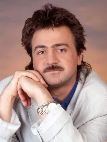 Moustache et mulet pour Thierry Pastor...