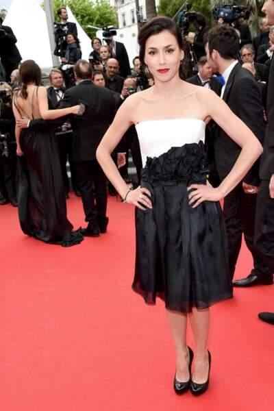 Olivia Ruiz, très jolie dans sa robe black & white