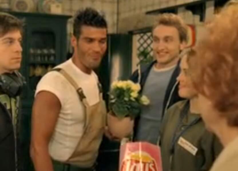 De son côté, Marlon a été aperçu à l'étranger dans une publicité pour une marque de chips