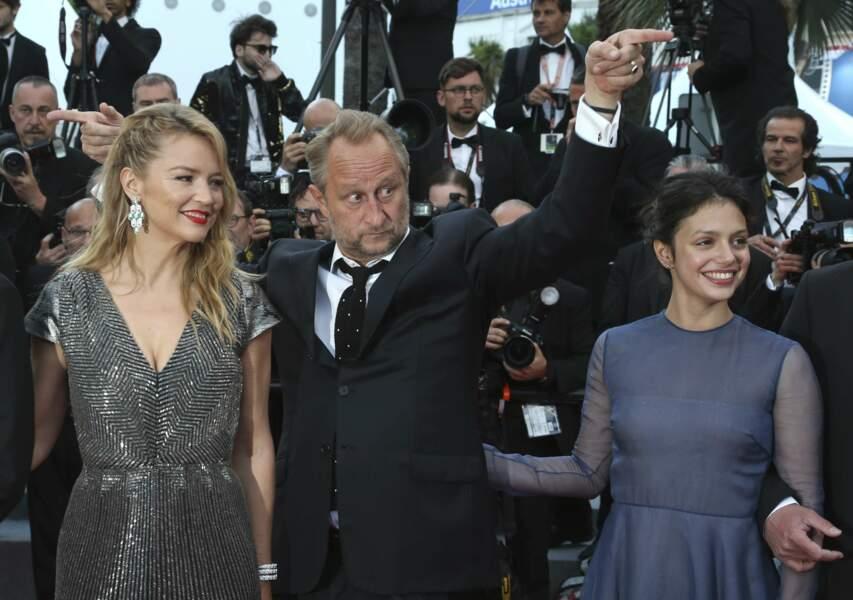 Virginie Efira,Benoit Poelvoorde et Noee Abita, une partie de l'équipe du film Le Grand Bain