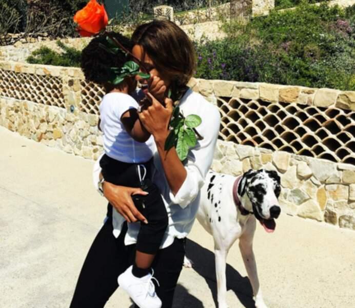 Et leur fils Future, et leur chienne Naomie. LOVE.