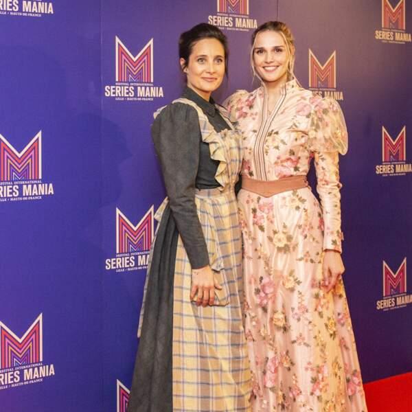 Les comédiennes du Bazar de la charité ont créé la surprise en arrivant dans des costumes d'époque