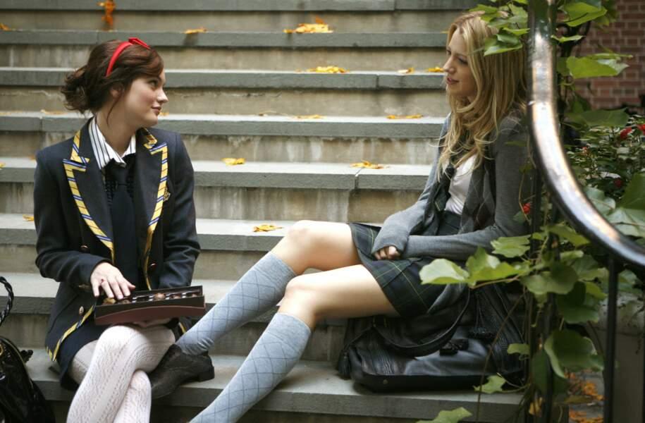 Serena et Blair affectionnent aussi le look petites écolières sages. Mais sont-elles si sages que ça ?