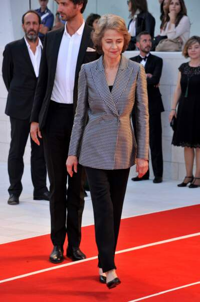 Charlotte Rampling arrive au Lido de Venise pour la cérémonie de clôture de la Mostra