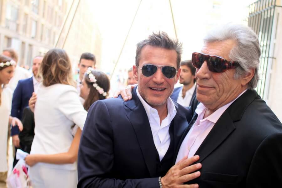 Père et fils arboraient des lunettes de soleil... mais pas pour passer incognito !