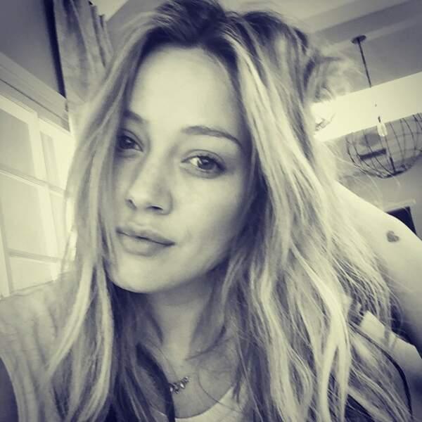 Hillary Duff nous offre le selfie le plus cliché de la semaine.