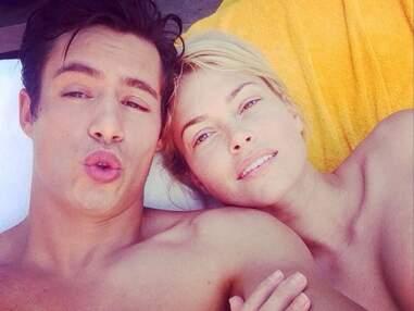 Instagram : Caroline Receveur topless avec son chéri, Laury Thilleman en maillot