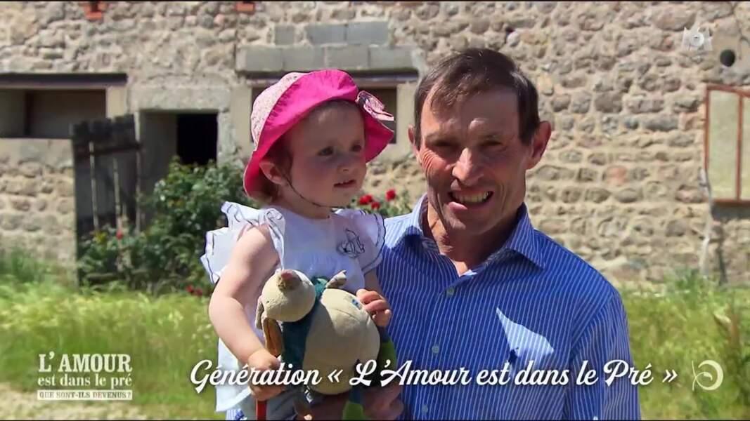Éric, papa comblé de la petite Victoire