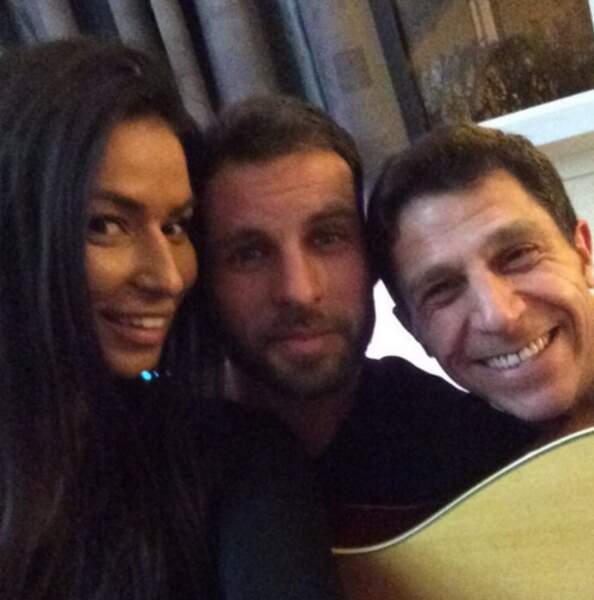 Hop, un petit selfie pour Karima, Amir et Nicolas