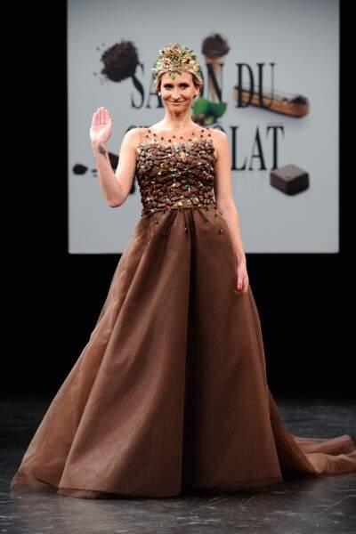 Tatiana Golovin, altière dans la création de la designer Florencia Soerensen.