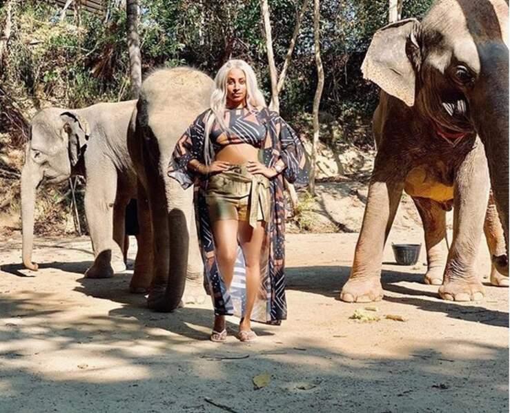 Demdem en dompteuse d'éléphants. Même pas peur !