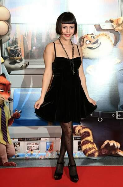 Lubna Gourion (vue dans Plus belle la vie) interprète la popstar Gazelle