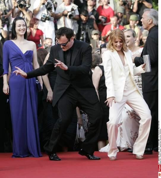 """2009 : Quentin Tarantino et Mélanie Laurent entament un rock lors de la montée des marches de """"Inglorious Basterds"""""""