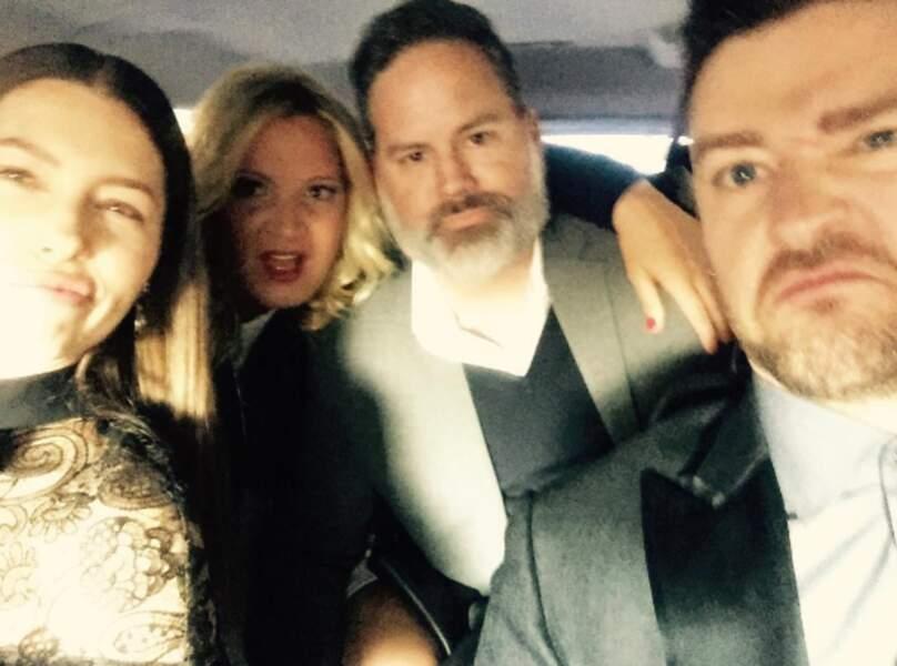 Avec Justin et ses copains elle fait des virées en voiture