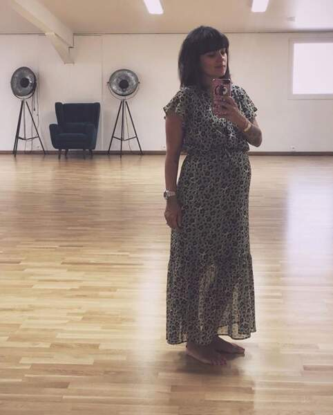 La future maman Alizée avait opté pour une longue robe à fleurs.