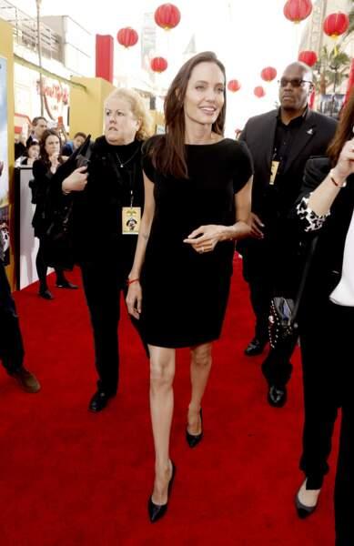 Angelina Jolie-Pitt arrive avec beaucoup de classe sur le tapis rouge de l'avant-première du film Kung Fu Panda 3
