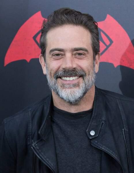 Jeffrey Dean Morgan (aussi dans Walking Dead) est le père de Bruce Wayne... et donc le mari de Lauren Cohan