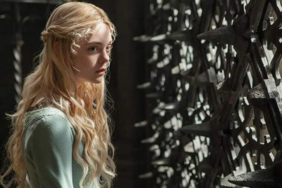 Elle dans Maléfique, en 2014. Elle incarne la princesse Aurore....