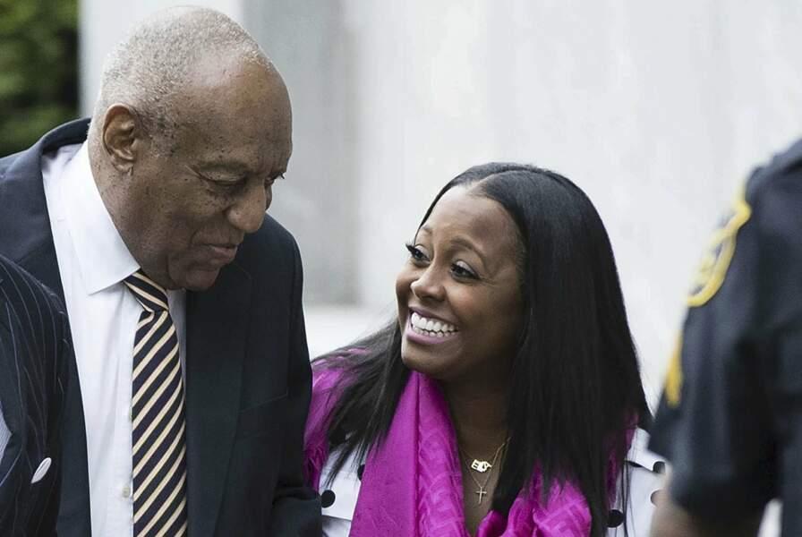 En juin 2017, l'actrice a soutenu Bill Cosby lors de son procès, arrivant avec lui le premier jour d'audience