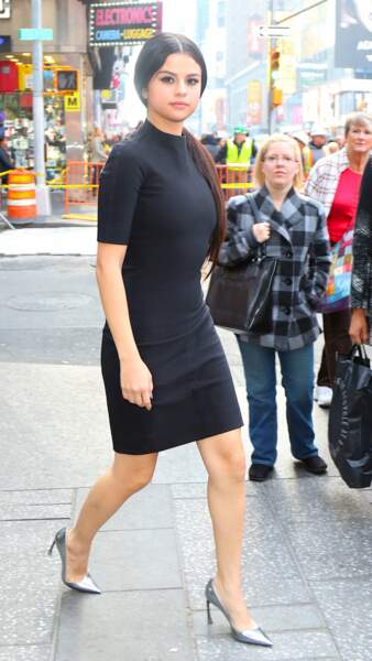 Selena Gomez marie sa robe avec un détail original : les chaussures argentées