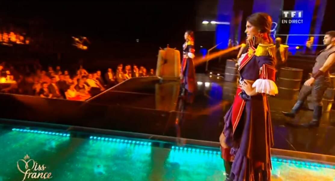 C'est en pirate qu'Iris Mittenaere, Miss Nord-Pas-de-Calais, a débuté la grande élection de Miss France 2016